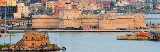 Civitavecchia port cropped