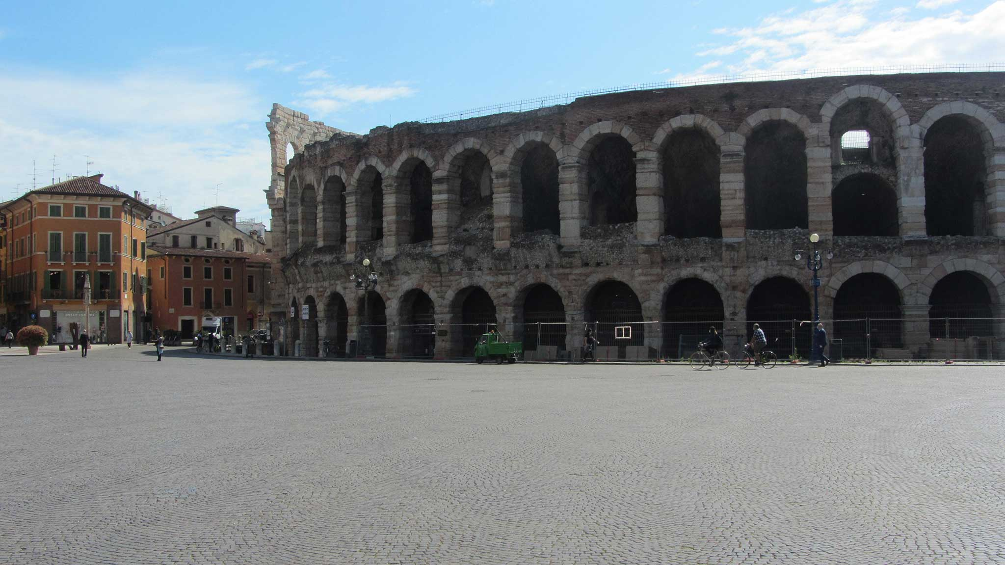 The Amphitheatre on Verona audio tour A stroll through the city of Romeo and Juliet
