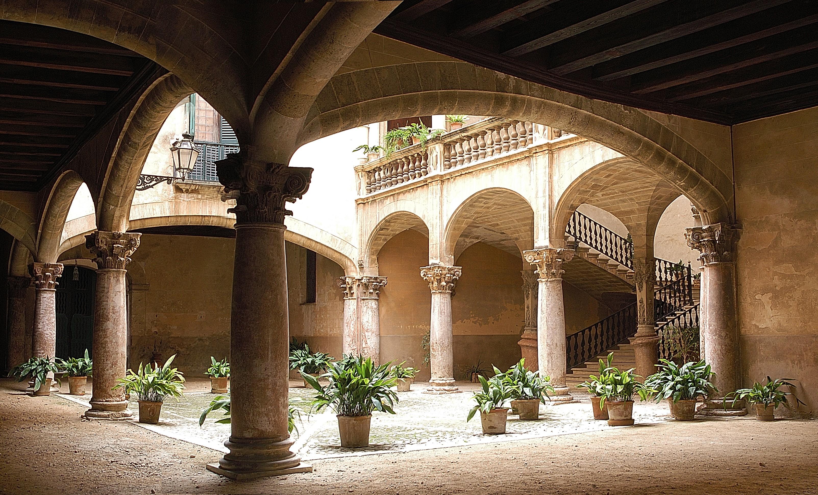 Can Vivot: one of the oldest Patios of Majorca on Palma audio tour Palma's Alternative History Tour