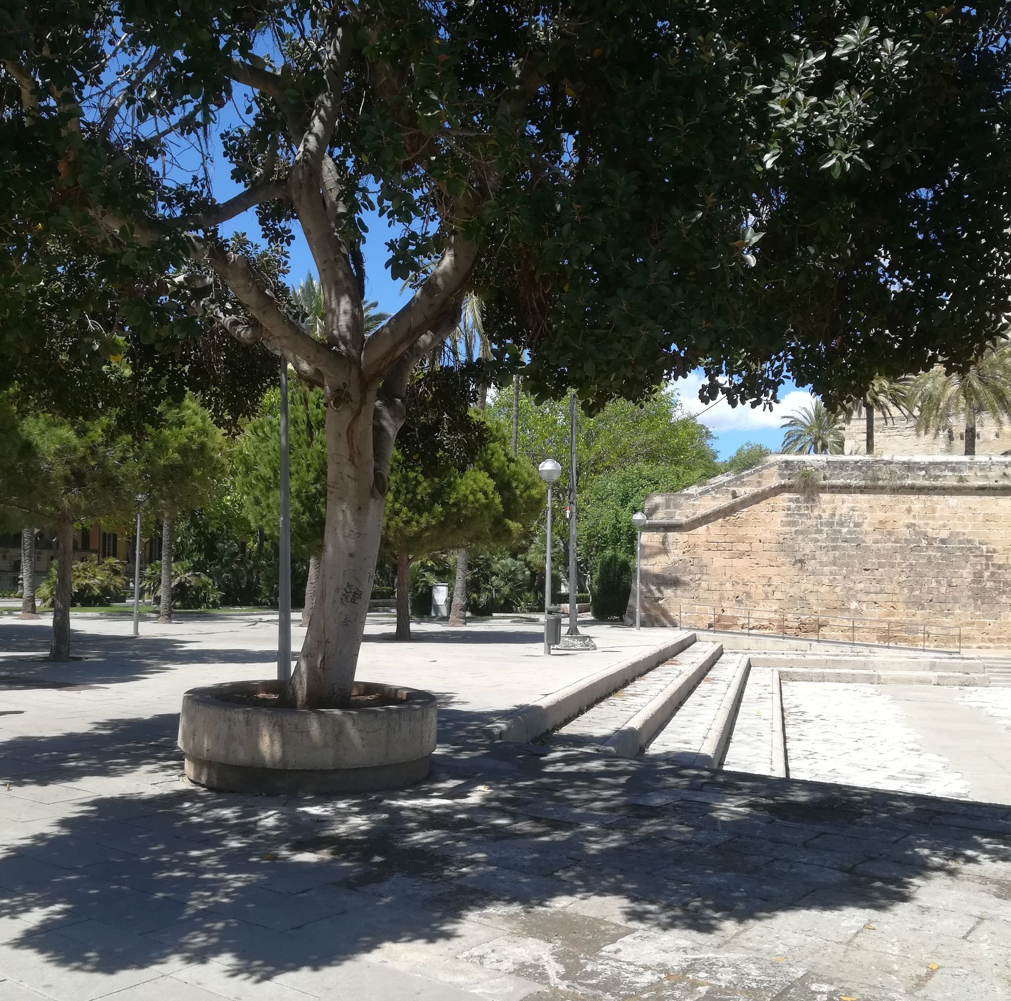 Towards Es Foner Statue on Palma audio tour Palma's Alternative History Tour